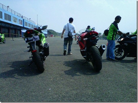 old ninja 250 vs all new ninja 250 fi