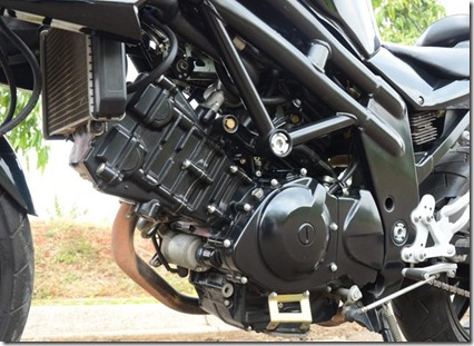 hyosung 650 engine