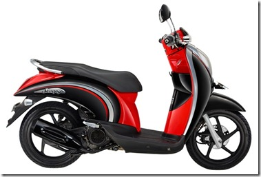 scoopy-new-black-red