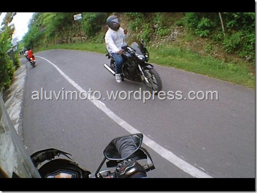 sms sambil riding