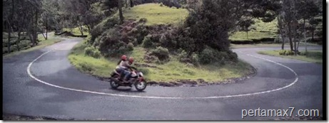 cornering honda verza 150 (Small)