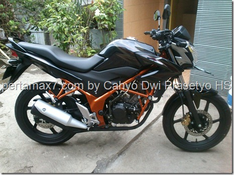 honda Cb150R tralis orange
