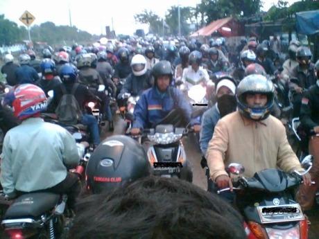 kemacetan-lalu-lintas-Small.jpg