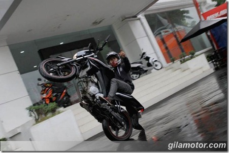 Freestyle-dengan-New-V-Ixion-Lightning-5 (Small)