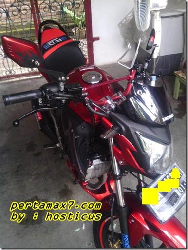 honda Cb150R furious red 1