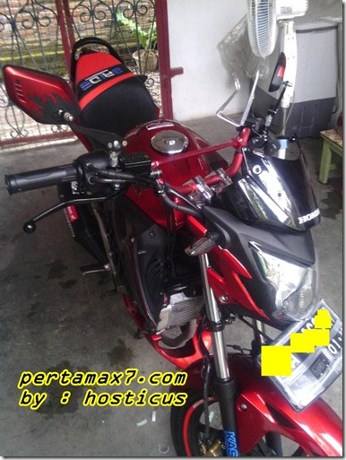 honda Cb150R furious red 1