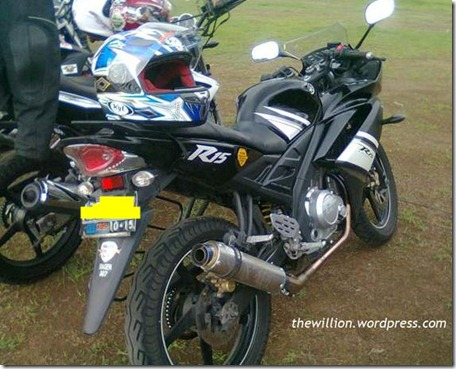 yamaha R15 v1.0 indonesia 4 (Small)