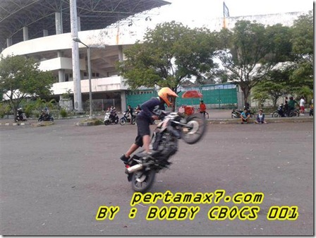 honda CB150R freestyle 1