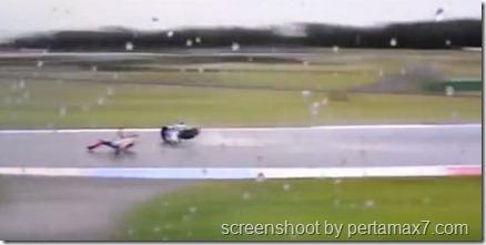 jorge lorenzo crash 12