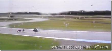 jorge lorenzo crash 13
