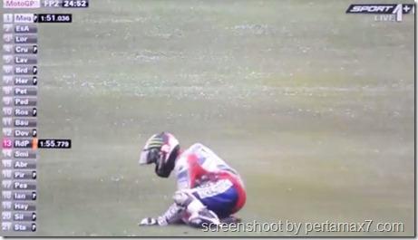 jorge lorenzo crash 17