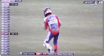 jorge lorenzo crash 19