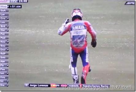 jorge lorenzo crash 21