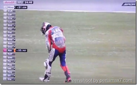 jorge lorenzo crash 24