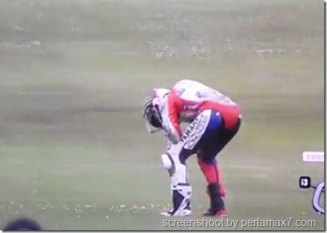 jorge lorenzo crash 27