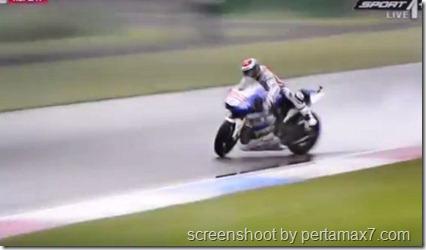 jorge lorenzo crash 5