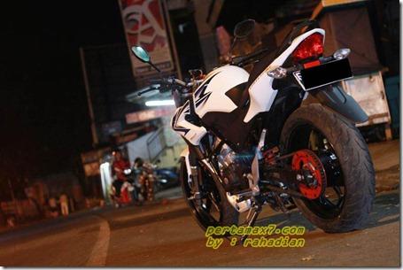 modifikasi honda CB150R streetfire velg new ninja 250