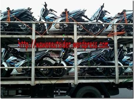 suzuki satria fu 2013 di truk distribusi