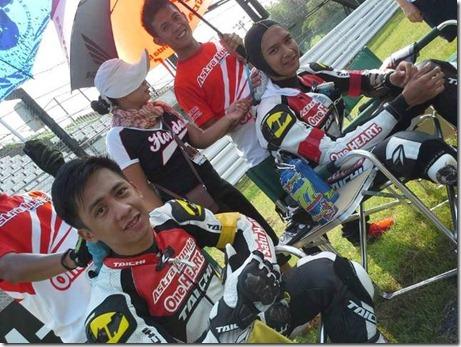 astra honda racing team racers (Small)