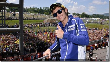 Dilirik Suzuki, Akankah Valentino Rossi Tinggalkan Yamaha