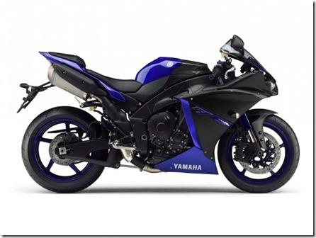 2014-Yamaha-YZF-R1-Race-Blu-02-635x476