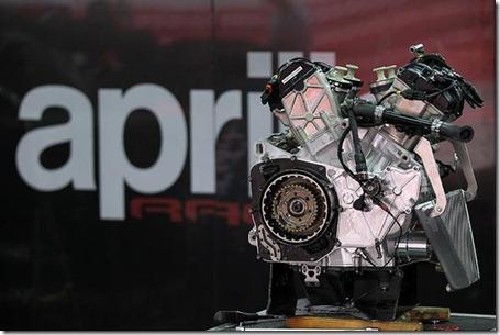 aprilia rsv4 engine
