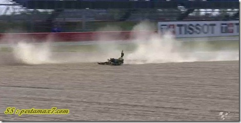 cal crutlow crash on silverstone 10