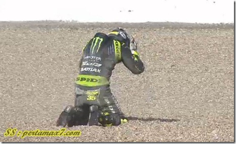 cal crutlow crash on silverstone 11