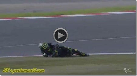 cal crutlow crash on silverstone 4