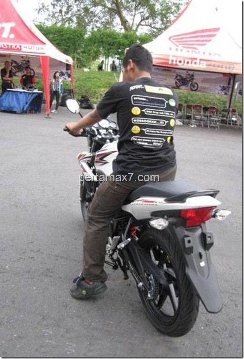 honda CB150R pertamax7.com. jpg