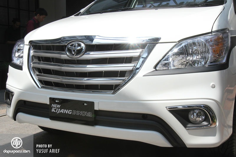 Toyota Kijang Innova 2014 resmi meluncur harga naik 1,8 hingga 4,7