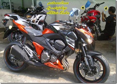 kawasaki Z800 orange