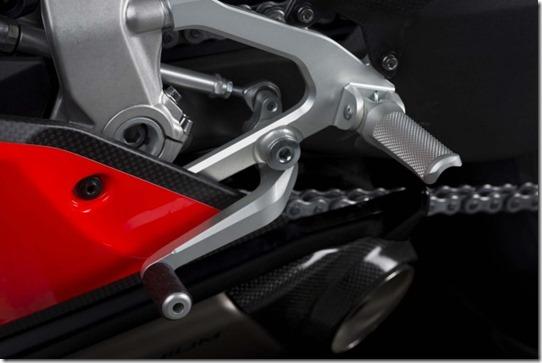 2014-Ducati-1199-Superleggera-studio-07-635x423