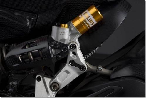 2014-Ducati-1199-Superleggera-studio-08-635x423