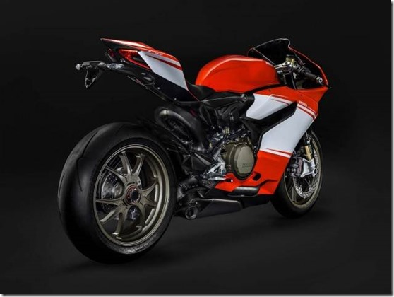 2014-Ducati-1199-Superleggera-studio-21-635x475