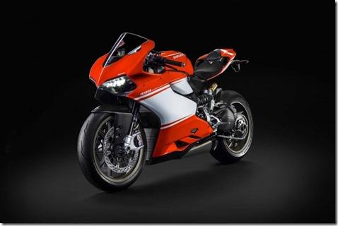 2014-Ducati-1199-Superleggera-studio-26-635x423