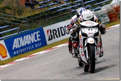 honda supra x 125 helm in racing edition (Small)