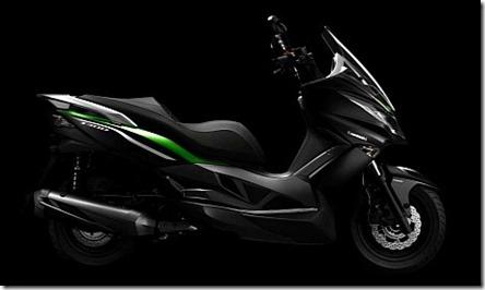 kawasaki-j300-maxi-scooter-2