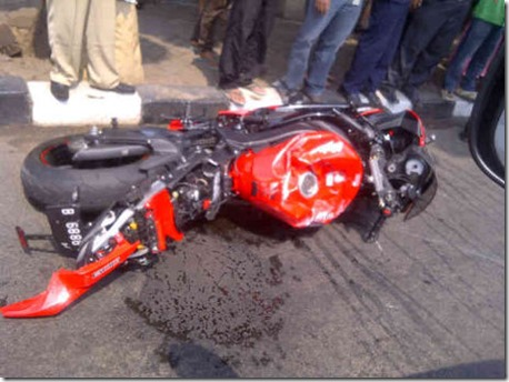 kawasaki ZX-6R crash