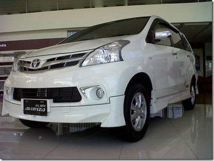 toyota avanza tom's (Small)