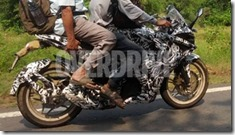 bajaj pulsar 375 faired 9 (Small)