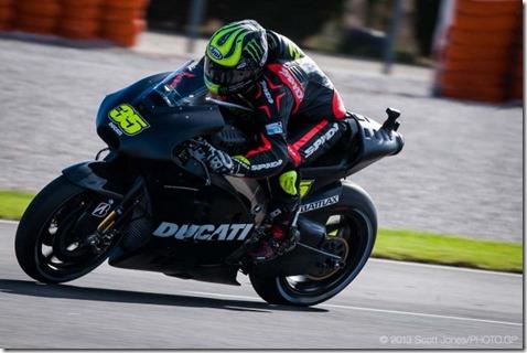 Cal-Crutchlow-MotoGP-Ducati-Corse-Valencia-Test-Scott-Jones-01-635x423
