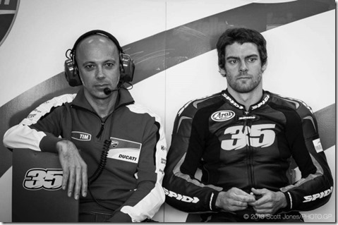 Cal-Crutchlow-MotoGP-Ducati-Corse-Valencia-Test-Scott-Jones-03-635x422