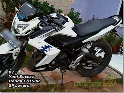 honda CB150R pakai half fairing ala Kawasaki Z250  2