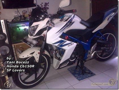 honda CB150R pakai half fairing ala Kawasaki Z250