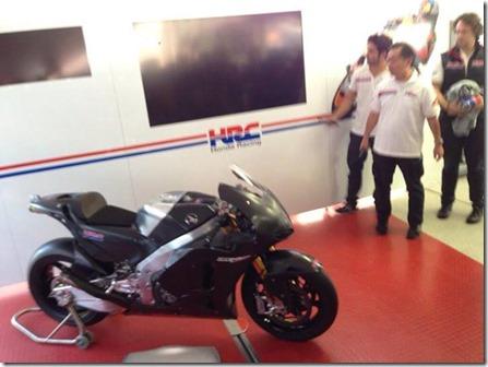Honda RCV1000R production racer 1