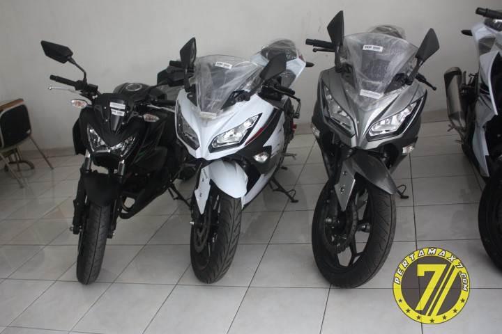 Bertemu Kawasaki Ninja 250fi Special Edition Dengan Ban Battlax Bt