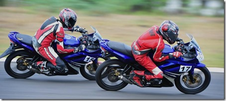 yamaha R15 racing