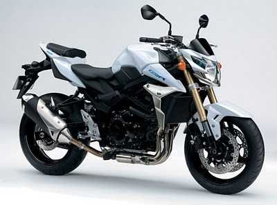 2011-suzuki-gsr-750-official-9.jpg