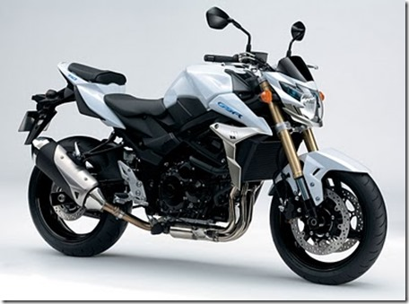 2011-suzuki-gsr-750-official-9